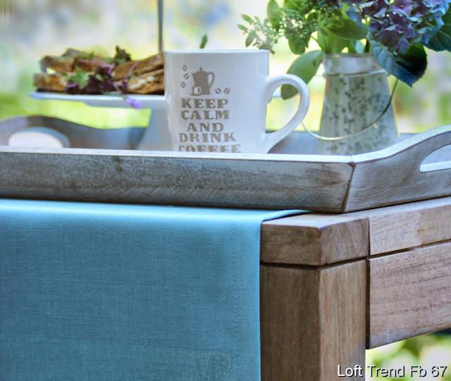 blauer Tischläufer