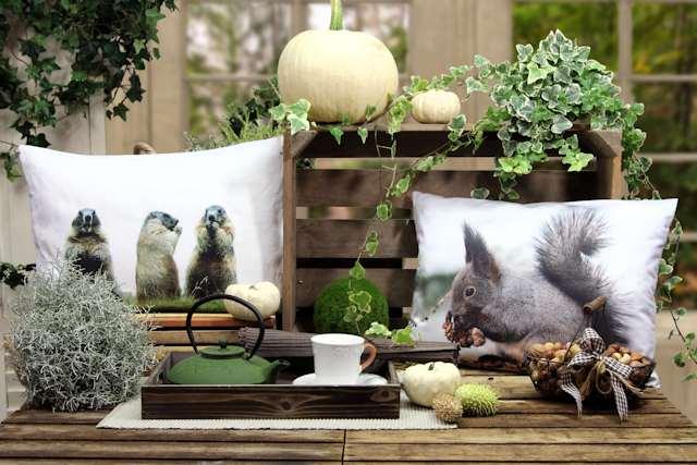 Kissen mit Eichhörnchen Murmetier Herbst