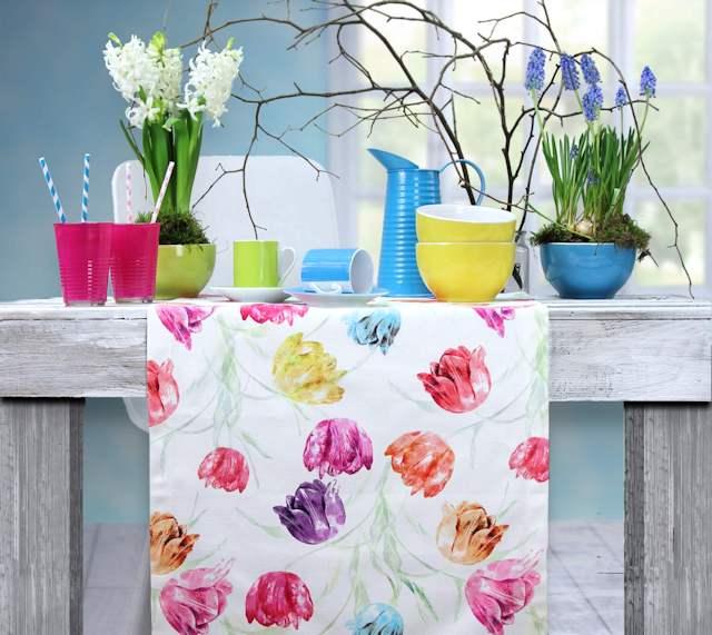 Frühlingstischdeke mit Tulpenmuster
