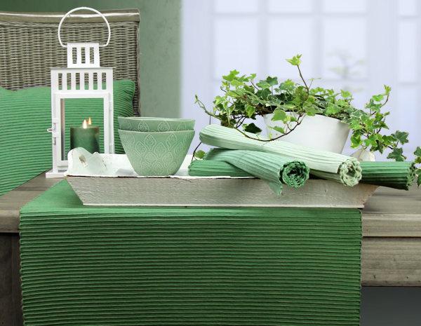 Tischläufer und Tischsets grün