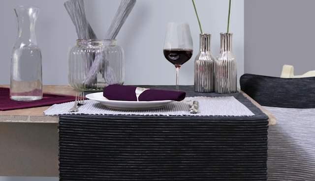grauer Tischläufer
