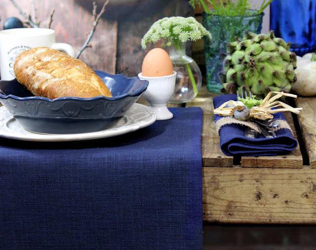 blaue Tischdecke