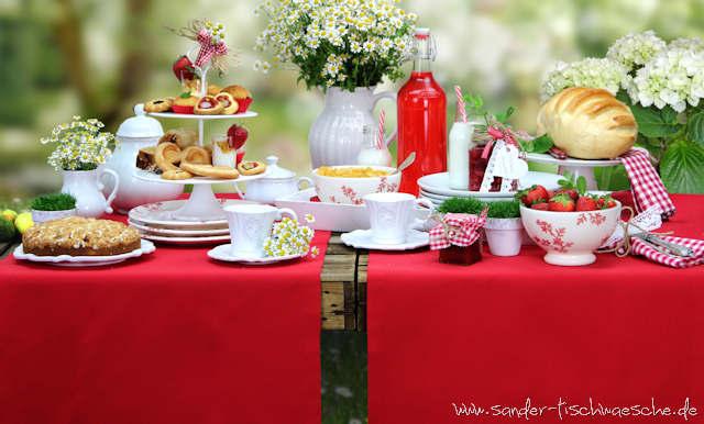 Rote Gartentischdecke
