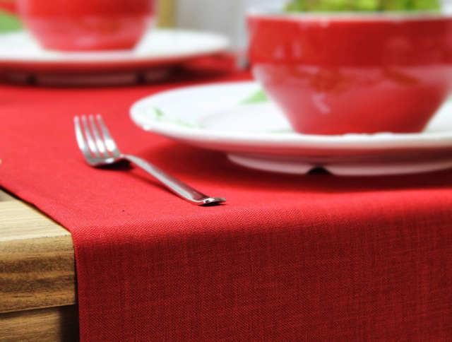 Roter Tischläufer von Sander