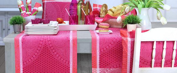 sommerliche Tischläufer pink