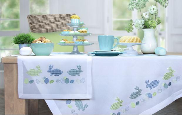 Moderne Tischwäsche tischläufer und mitteldecken zu ostern mit liebevoller stickerei
