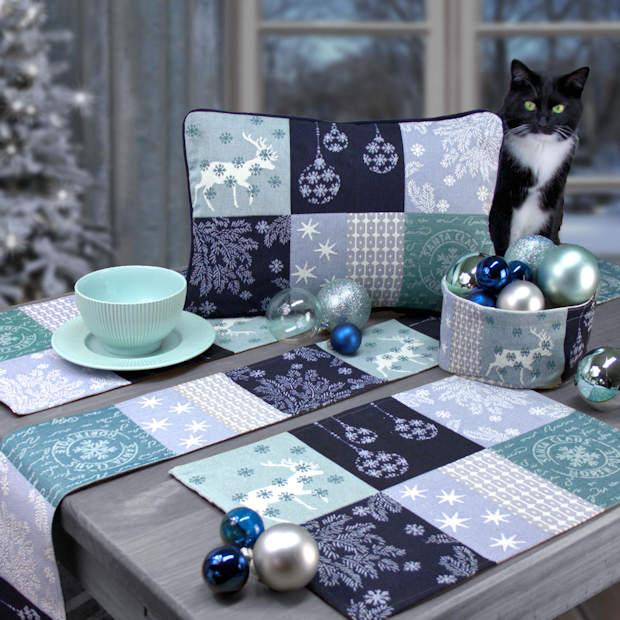 gedeckter Tisch Weihnachten blau