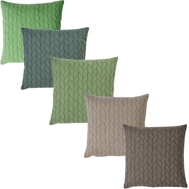 grüne Kissen und braune Kissen