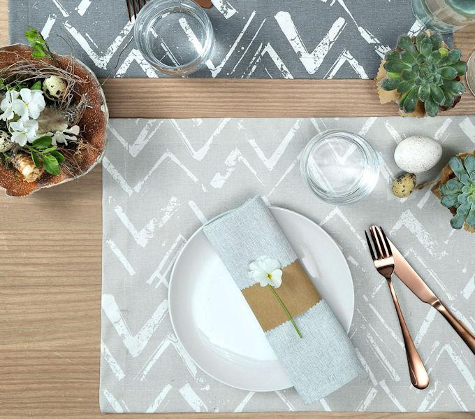 graune Tischsets für den Ostertisch